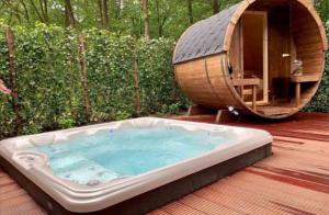 Huisje beekbergen veluwe met sauna en jacuzzi